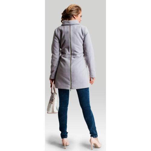 Makalulu szürke kabát